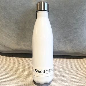 NWT S'well Original 17oz Water Bottle